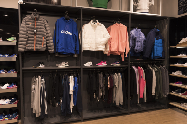 Mueble de exhibición de ropa